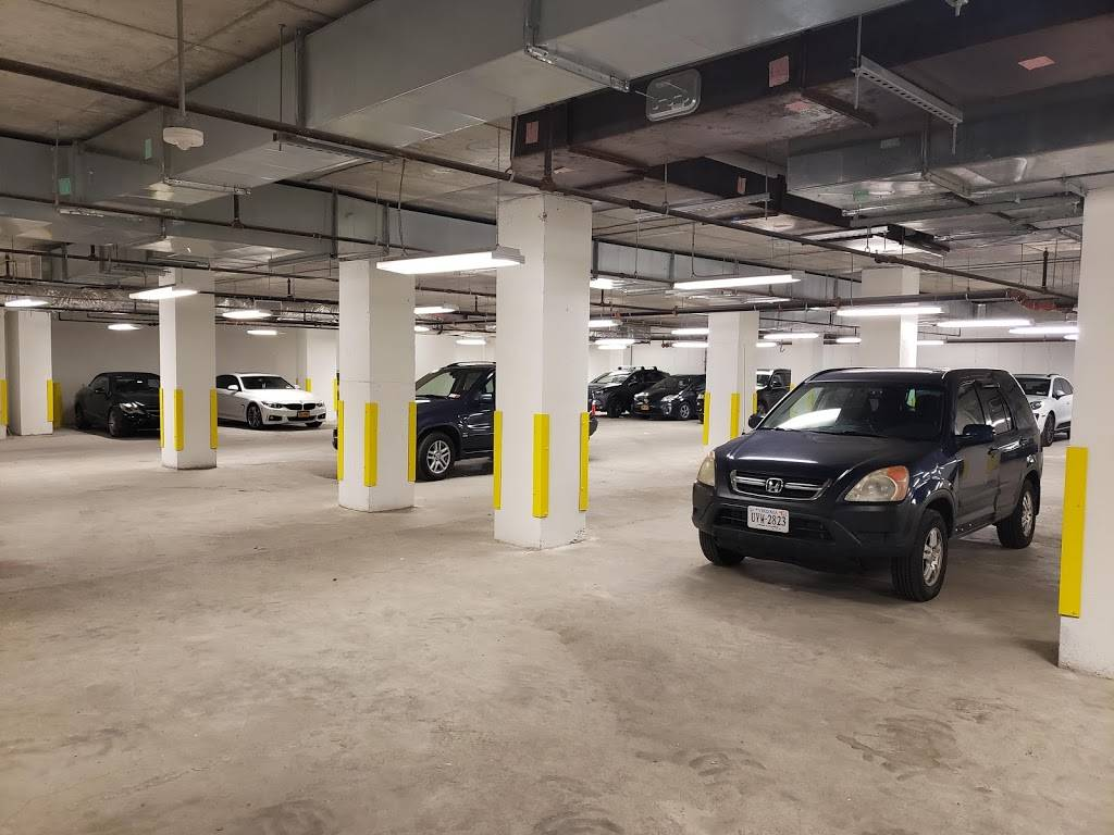 MPG Parking - parking    Photo 5 of 8   Address: 21 India St, Brooklyn, NY 11222, USA   Phone: (347) 916-1270