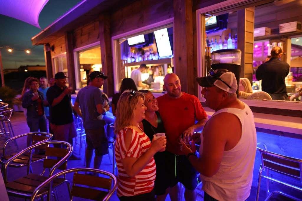 The Star Beach Bar - NJ Beach Bar - restaurant  | Photo 1 of 10 | Address: 402 E Rochester Ave, Wildwood, NJ 08260, USA | Phone: (609) 224-1124