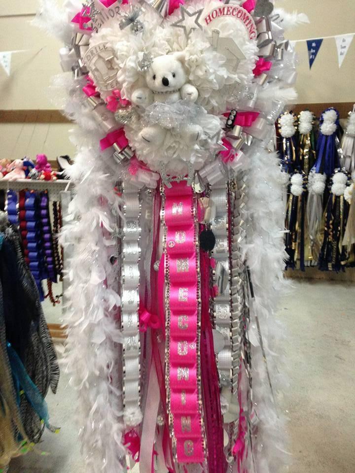 Spotlight Homecoming Mums - store  | Photo 5 of 7 | Address: 10381 Alta Vista Rd #129, Fort Worth, TX 76244, USA | Phone: (940) 389-8852