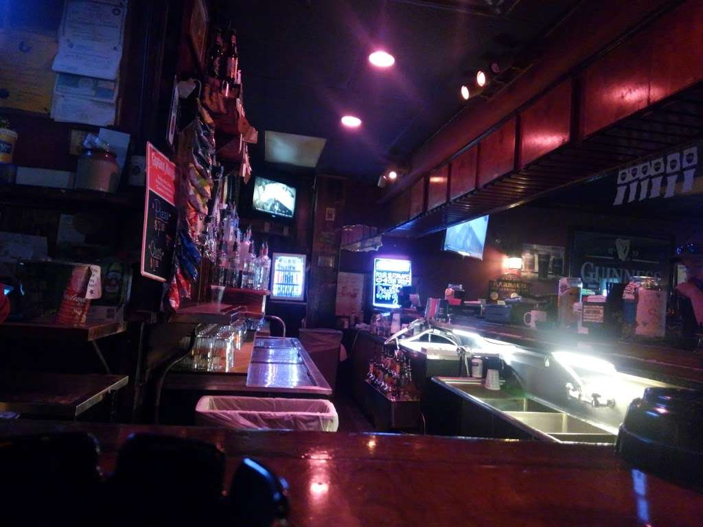Mollys Pub - night club    Photo 4 of 10   Address: 400 Texas Ave, Kemah, TX 77565, USA   Phone: (281) 334-2777