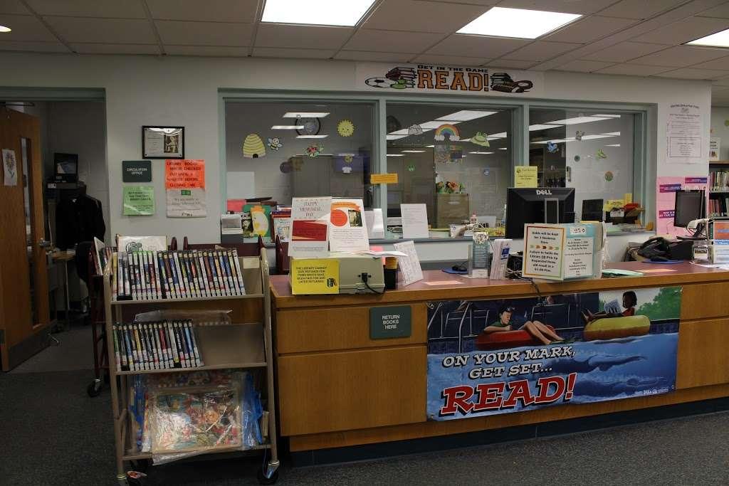 Edison Public Library: Clara Barton Branch - library  | Photo 9 of 10 | Address: 2600, 141, Hoover Ave, Edison, NJ 08837, USA | Phone: (732) 738-0096