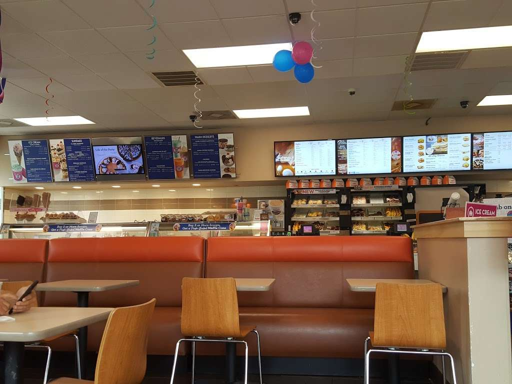 Dunkin Donuts - cafe    Photo 6 of 10   Address: 1427 Dual Hwy, Hagerstown, MD 21740, USA   Phone: (301) 393-3820