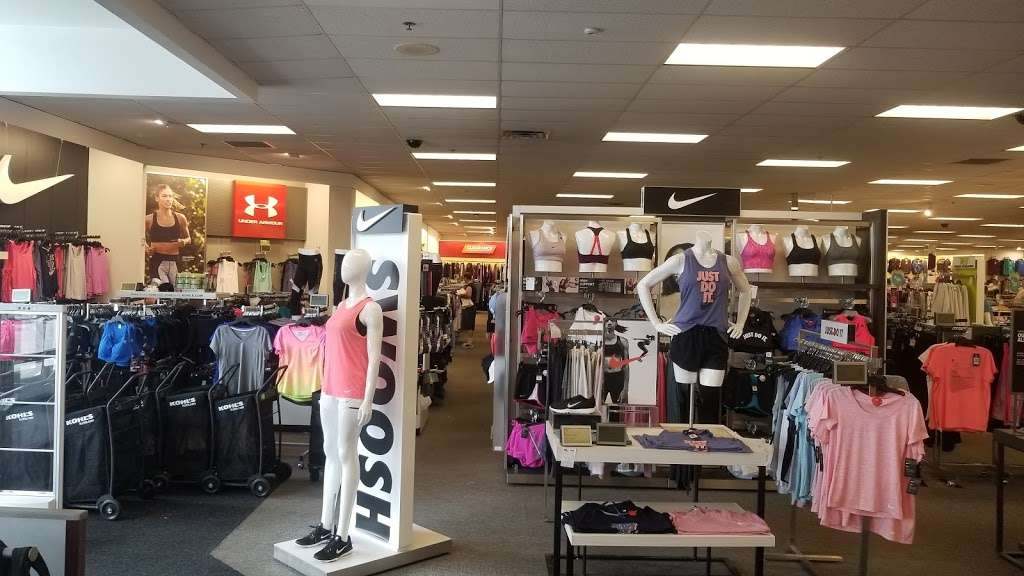 Kohls Secaucus - department store  | Photo 9 of 10 | Address: 3 Mill Creek Dr, Secaucus, NJ 07094, USA | Phone: (201) 553-9143