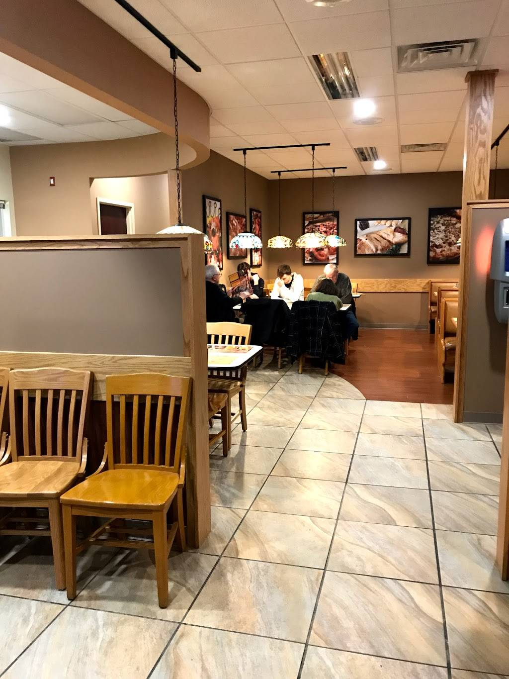 Pizza King - meal delivery    Photo 7 of 10   Address: 7203 Maplecrest Rd, Fort Wayne, IN 46835, USA   Phone: (260) 739-7624