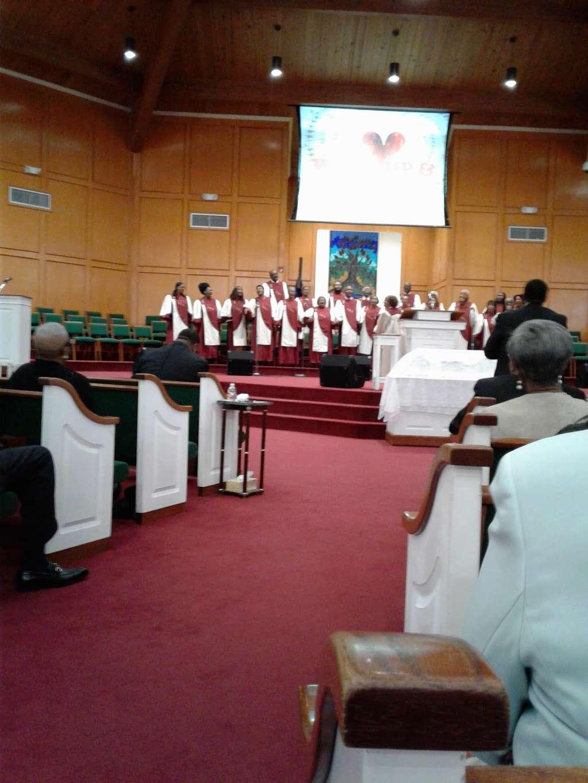 New Mt Calvary Baptist Church - church  | Photo 5 of 10 | Address: 4711 Kelley St, Houston, TX 77026, USA | Phone: (713) 635-1955