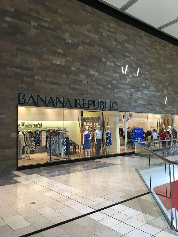 Banana Republic - clothing store    Photo 9 of 10   Address: 1 Garden State Plaza Blvd, Paramus, NJ 07652, USA   Phone: (201) 291-0955