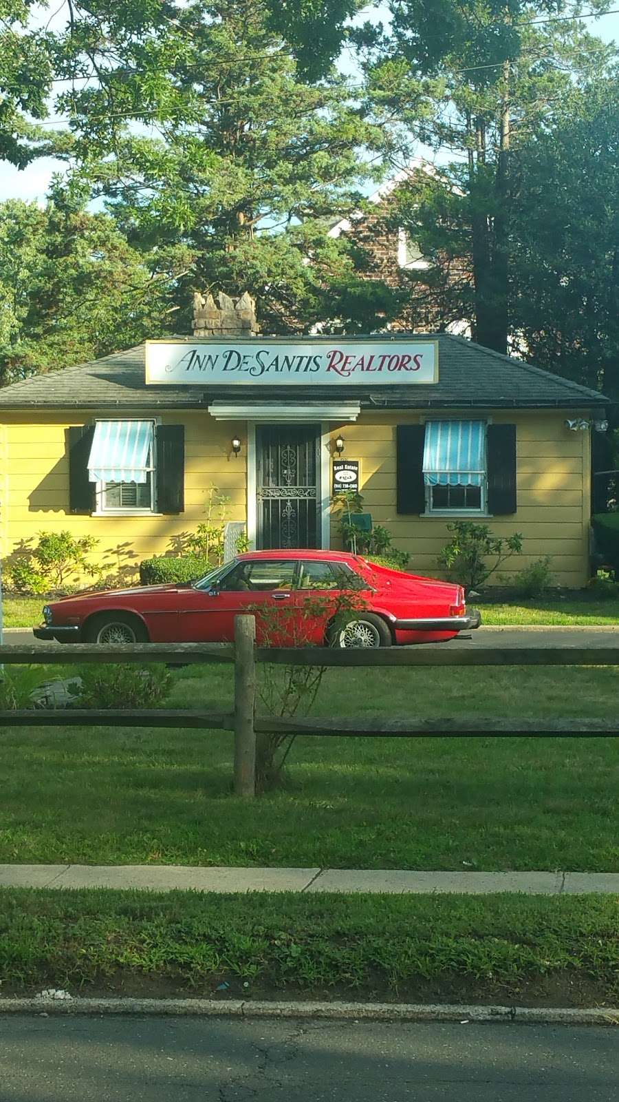 Pelham Real Estate: Kravitz Realtors (Ann De Santis Real Estate) - real estate agency  | Photo 1 of 2 | Address: 4550 Boston Post Rd, Pelham, NY 10803, USA | Phone: (914) 738-7777