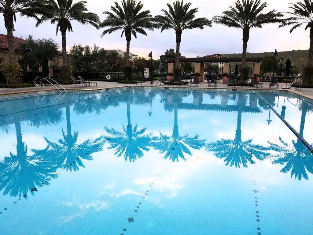 Village Square Park - park  | Photo 3 of 10 | Address: 130 Outwest, Irvine, CA 92618, USA