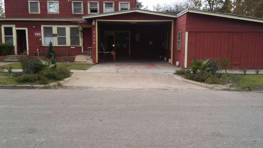 Sherman Rooming House - lodging  | Photo 8 of 10 | Address: 7026 Sherman St, Houston, TX 77011, USA | Phone: (713) 926-9551