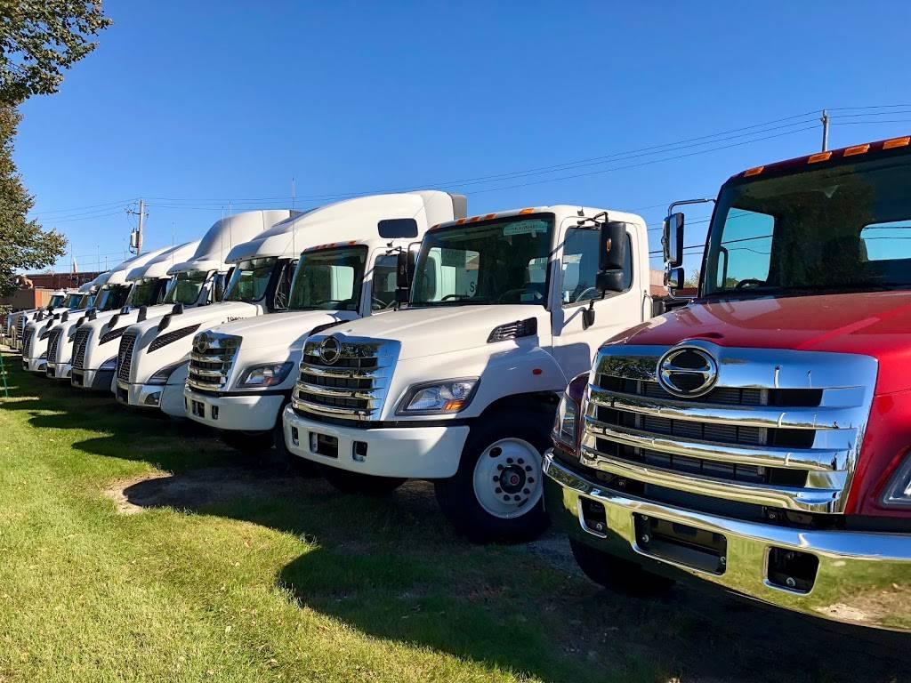 Kriete Truck Center - Milwaukee - car repair  | Photo 9 of 10 | Address: 4444 W Blue Mound Ct, Milwaukee, WI 53208, USA | Phone: (414) 258-8484
