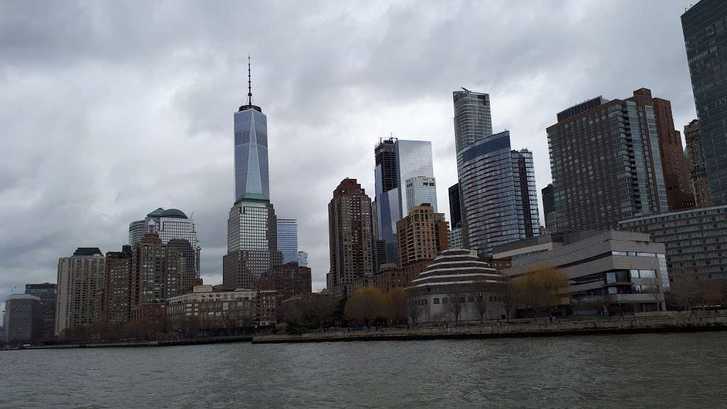 Circle Line Statue of Liberty - travel agency  | Photo 1 of 3 | Address: 80 Audrey Zapp Dr, Jersey City, NJ 07304, USA | Phone: (877) 523-9849