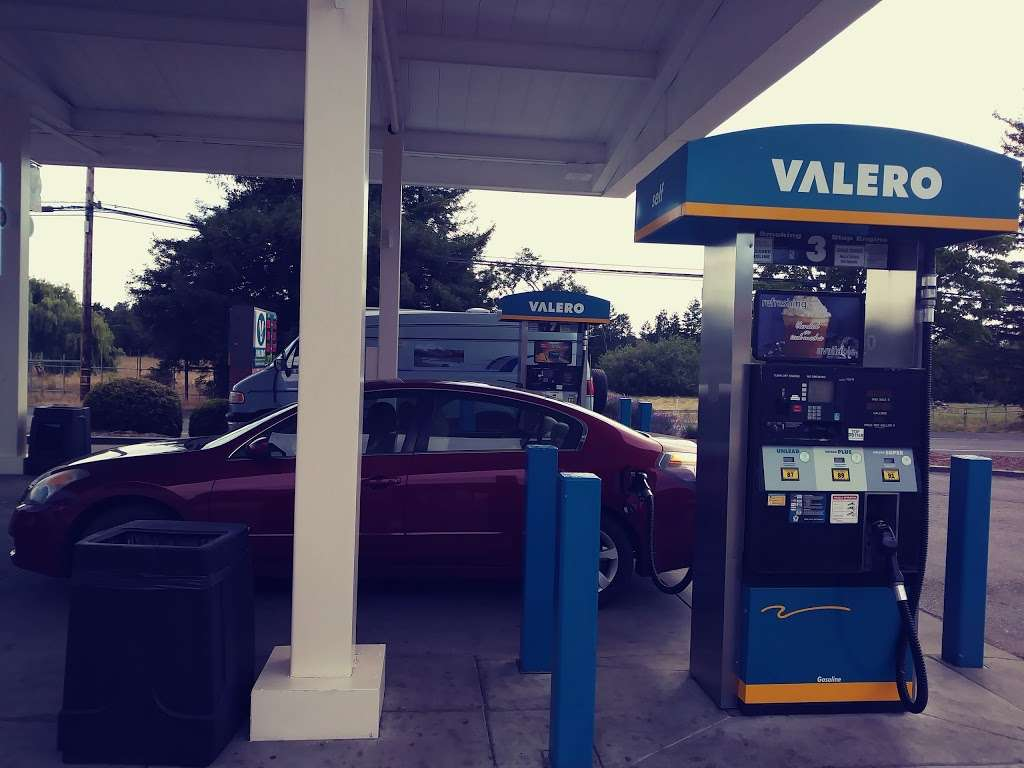 Bills Valero - gas station  | Photo 3 of 10 | Address: 3705 Gravenstein Hwy S, Sebastopol, CA 95472, USA | Phone: (707) 823-8623