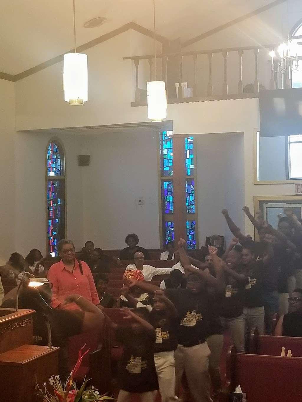 Bethlehem Baptist Church - church  | Photo 1 of 2 | Address: 1208 Meadow St, Houston, TX 77020, USA | Phone: (713) 227-2822