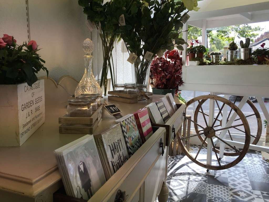 Coggers in Bloom - florist  | Photo 1 of 10 | Address: 849 Forest Rd, Walthamstow, London E17 4AT, UK | Phone: 020 8527 1051