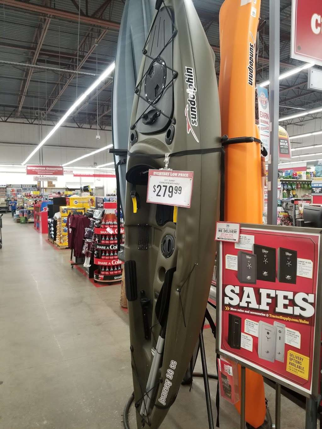Tractor Supply Co. - hardware store  | Photo 9 of 10 | Address: 12466 Interstate 45 N Ste B, Willis, TX 77378, USA | Phone: (936) 856-1549