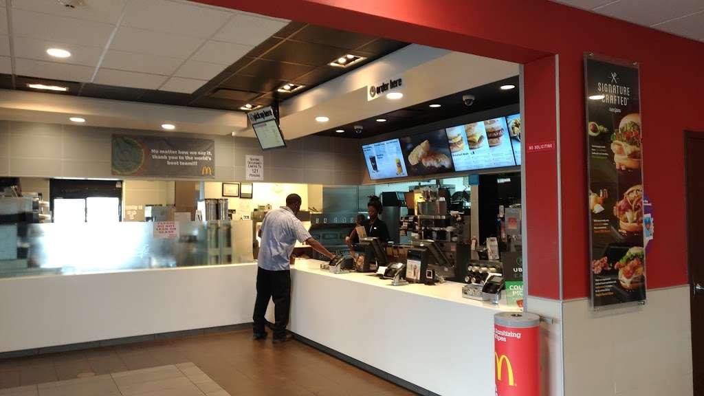McDonalds - cafe  | Photo 5 of 10 | Address: 428 Grand St, Jersey City, NJ 07302, USA | Phone: (201) 433-0055
