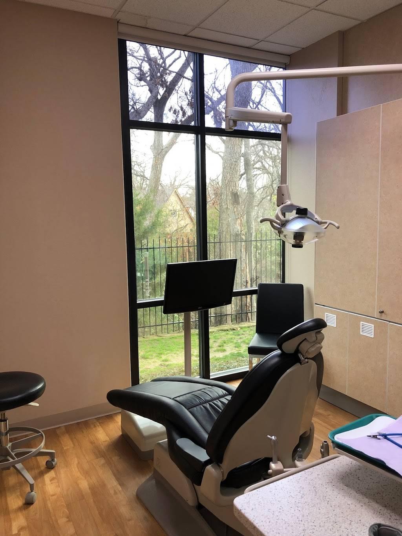 Dallas Periodontal Associates - dentist    Photo 4 of 8   Address: 8722 Greenville Ave #100, Dallas, TX 75243, USA   Phone: (469) 804-5727