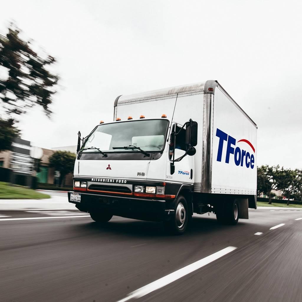 TForce Logistics - El Paso - moving company  | Photo 6 of 9 | Address: 9600 Joe Rodriguez Dr Suite 4-5, El Paso, TX 79927, USA | Phone: (855) 396-2639
