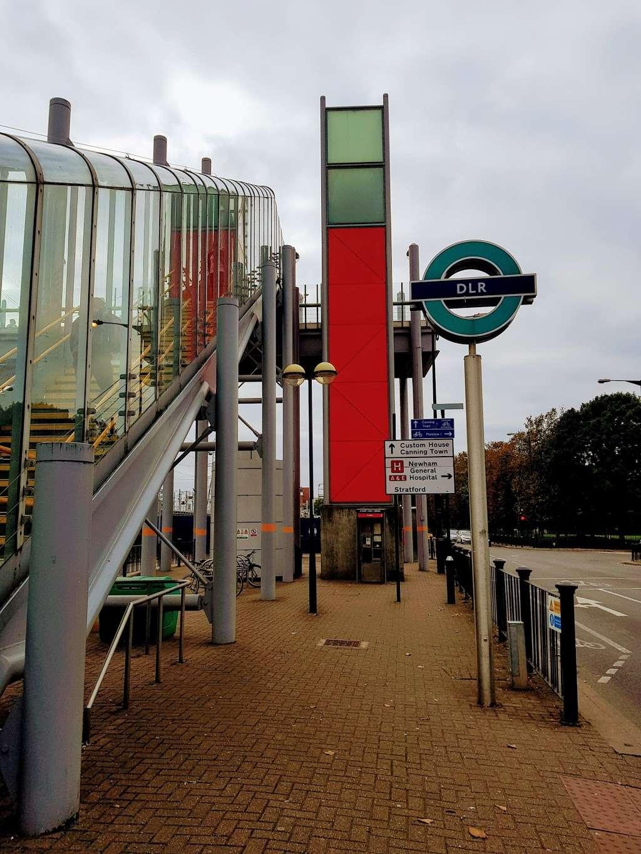 Prince Regent - train station    Photo 4 of 10   Address: Victoria Dock Rd, London E16 3DB, UK   Phone: 0343 222 1234