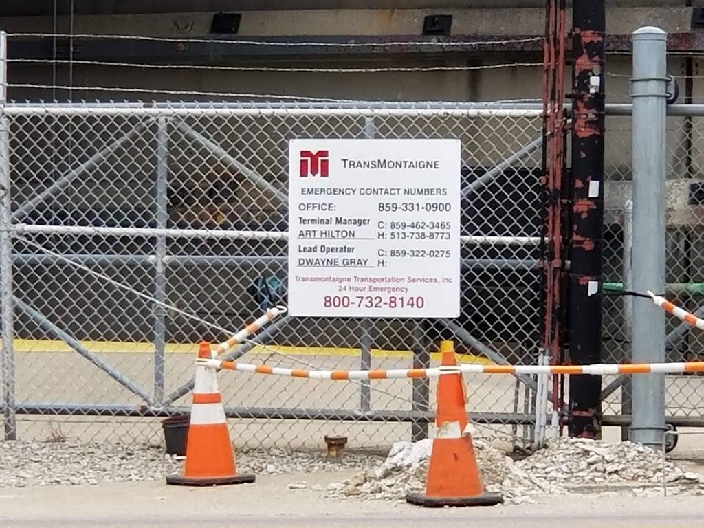 Trans Montaigne Terminal Inc - gas station  | Photo 3 of 9 | Address: 700 River Rd, Villa Hills, KY 41017, USA | Phone: (859) 331-0900