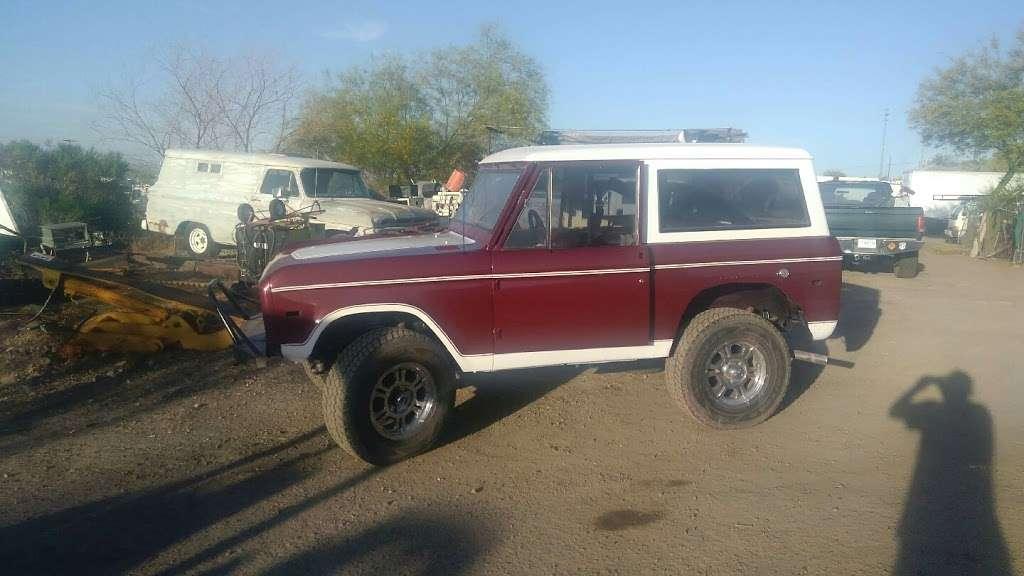 Custom Painting - car repair  | Photo 1 of 10 | Address: 21801 N 16th St, Phoenix, AZ 85024, USA | Phone: (602) 524-5150