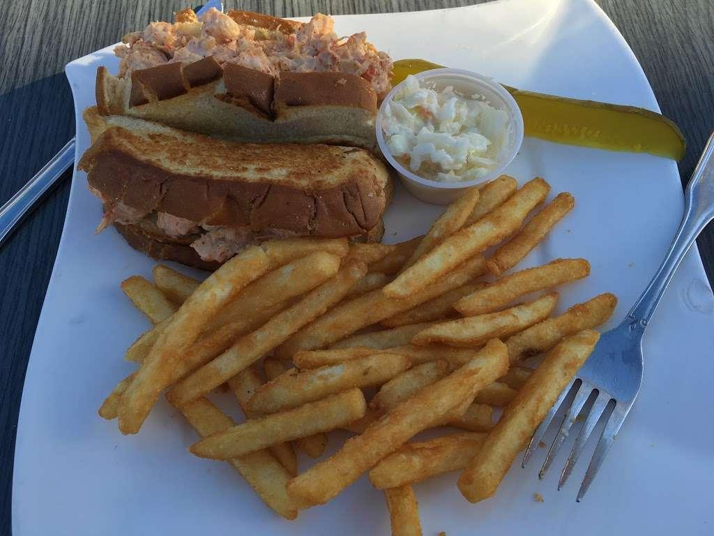 River Dock Cafe - restaurant  | Photo 9 of 10 | Address: 1 Richmond Terrace, Staten Island, NY 10301, USA | Phone: (347) 354-3598