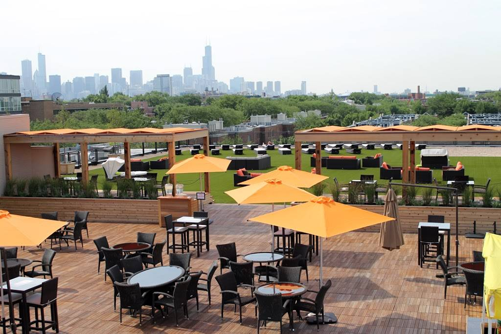 Lakeshore Sport & Fitness - gym    Photo 5 of 10   Address: 1320 W Fullerton Ave, Chicago, IL 60614, USA   Phone: (773) 348-6377