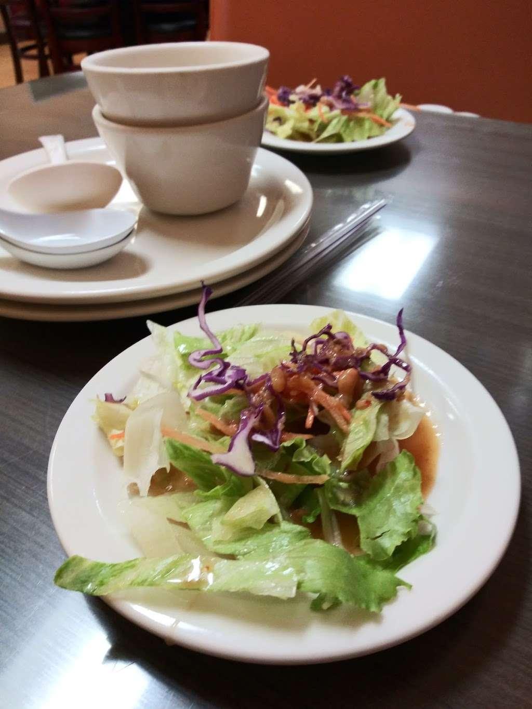 Chillin Thai Cuisine - restaurant  | Photo 3 of 10 | Address: 11020 Lower Azusa Road # B # B, El Monte, CA 91731, USA | Phone: (626) 444-3988