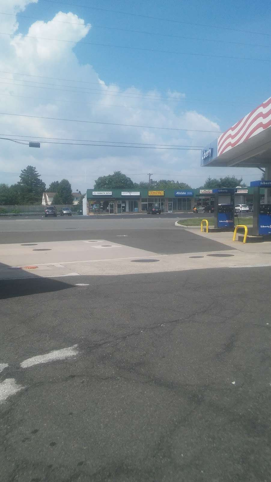Carvers Liberty - gas station  | Photo 2 of 2 | Address: 1724 Trenton Rd, Levittown, PA 19056, USA | Phone: (215) 945-2150