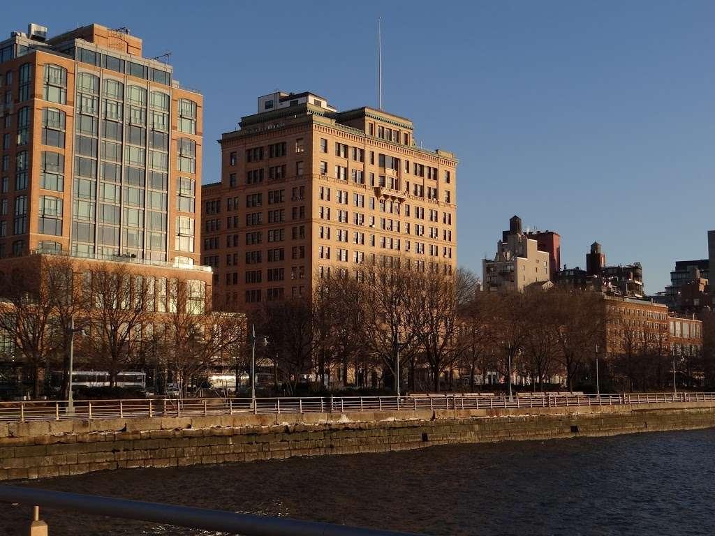 Pier 51 - park  | Photo 4 of 10 | Address: New York, NY 10014, USA