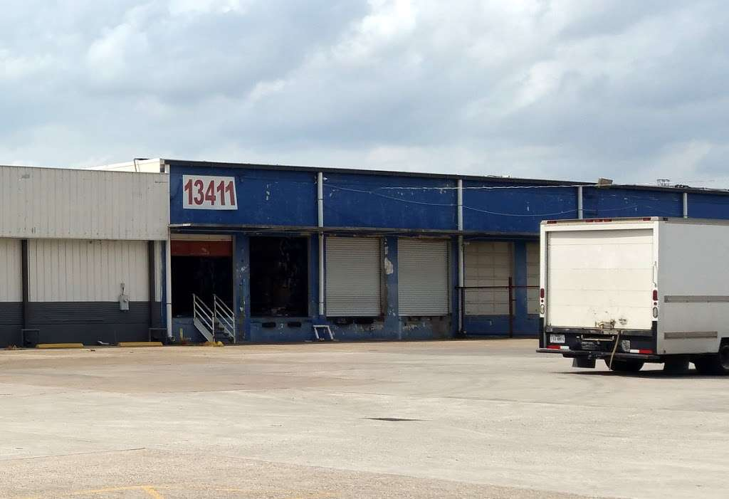 American Used Clothing - store    Photo 5 of 10   Address: 13411 Gulf Fwy, Houston, TX 77034, USA   Phone: (281) 464-3319
