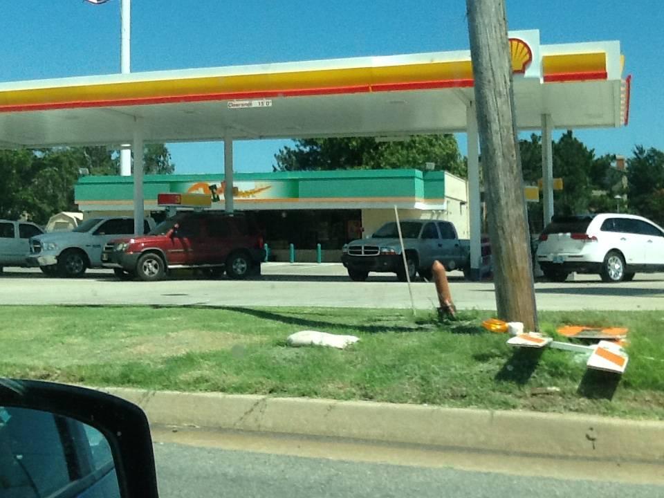 Shell - gas station  | Photo 2 of 4 | Address: 10900 N MacArthur Blvd, Oklahoma City, OK 73162, USA | Phone: (405) 722-0318