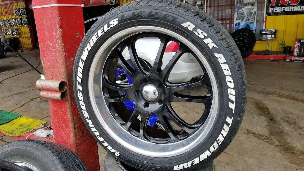 Alfonsos Tire & Wheels - car repair  | Photo 7 of 10 | Address: 432 Main St, Schertz, TX 78154, USA | Phone: (210) 658-4020