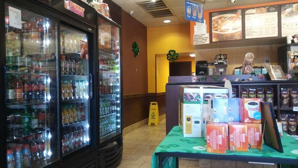 Dunkin Donuts - cafe  | Photo 7 of 10 | Address: 463 Tonnelle Ave, Jersey City, NJ 07307, USA | Phone: (201) 459-0006