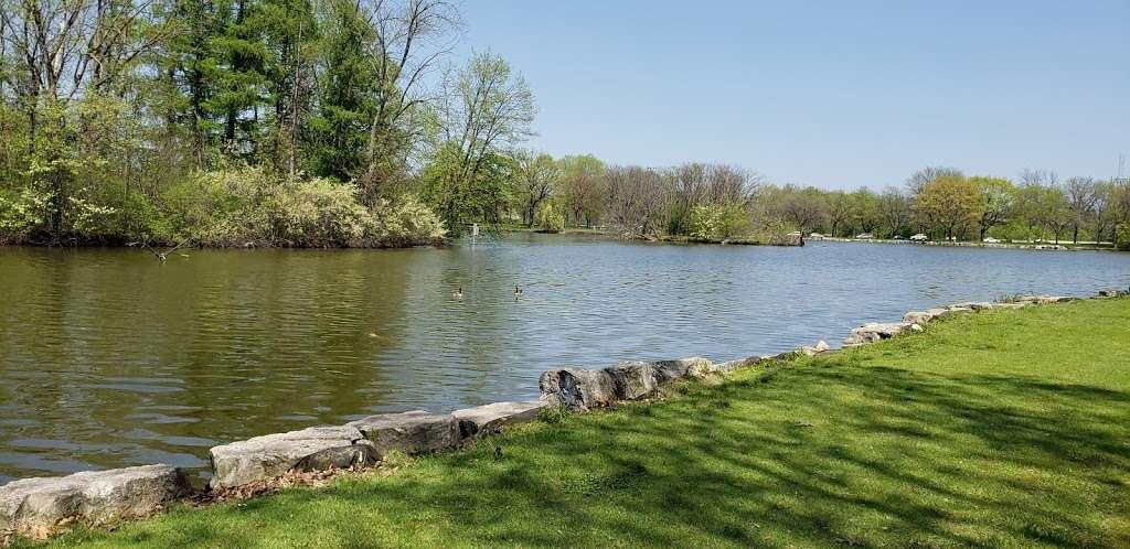Jackson Park - park  | Photo 3 of 10 | Address: 3500 W Forest Home Ave, Milwaukee, WI 53215, USA | Phone: (414) 257-7275