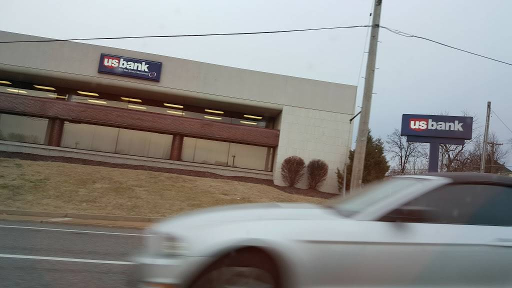 U.S. Bank Branch - bank  | Photo 6 of 7 | Address: 201 N Florissant Rd, Ferguson, MO 63135, USA | Phone: (314) 524-0503
