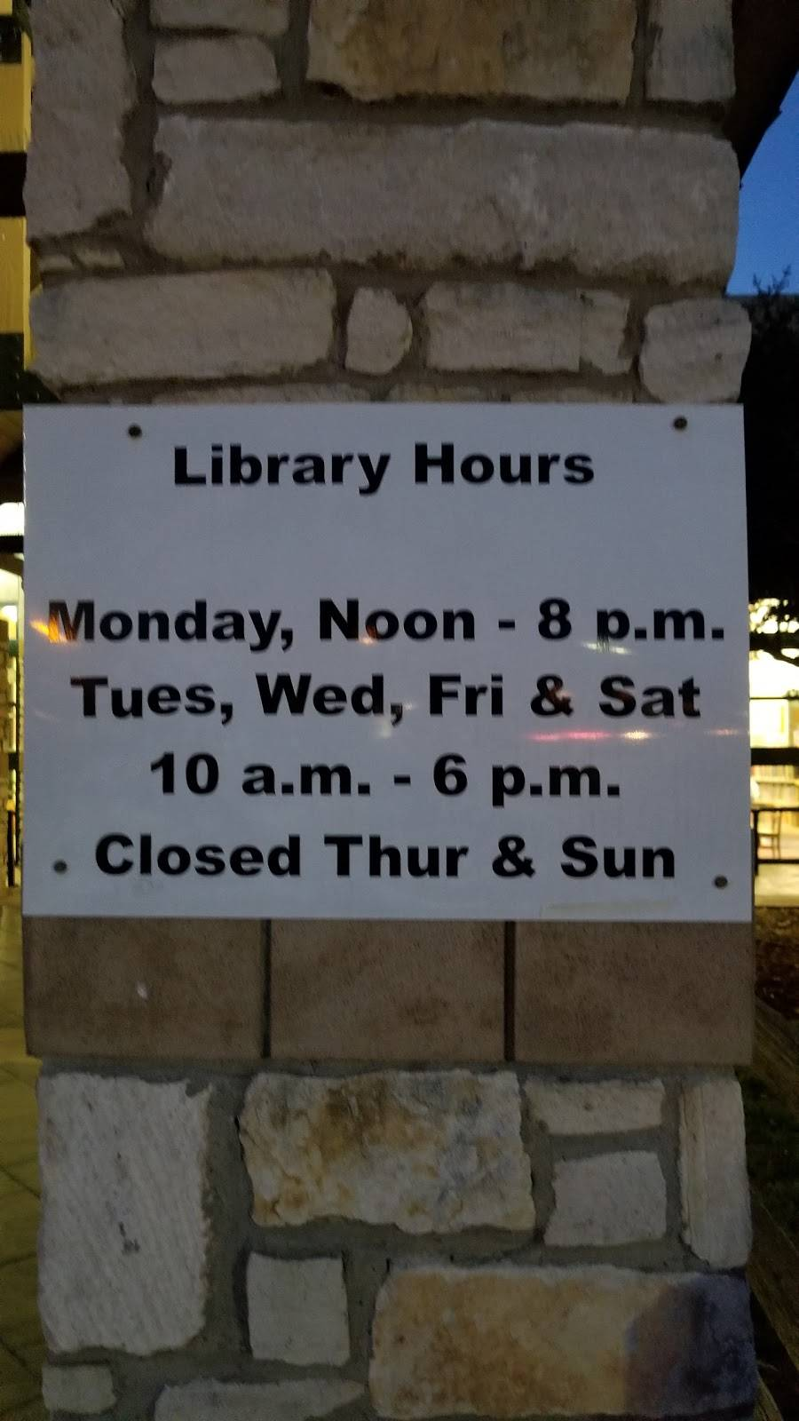 Fort Worth Public Library - Summerglen - library  | Photo 6 of 9 | Address: 4205 Basswood Blvd, Fort Worth, TX 76137, USA | Phone: (817) 392-5970