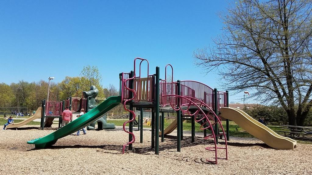 Highview Park - park  | Photo 1 of 10 | Address: 7201 Outer Loop, Louisville, KY 40228, USA | Phone: (502) 601-2318