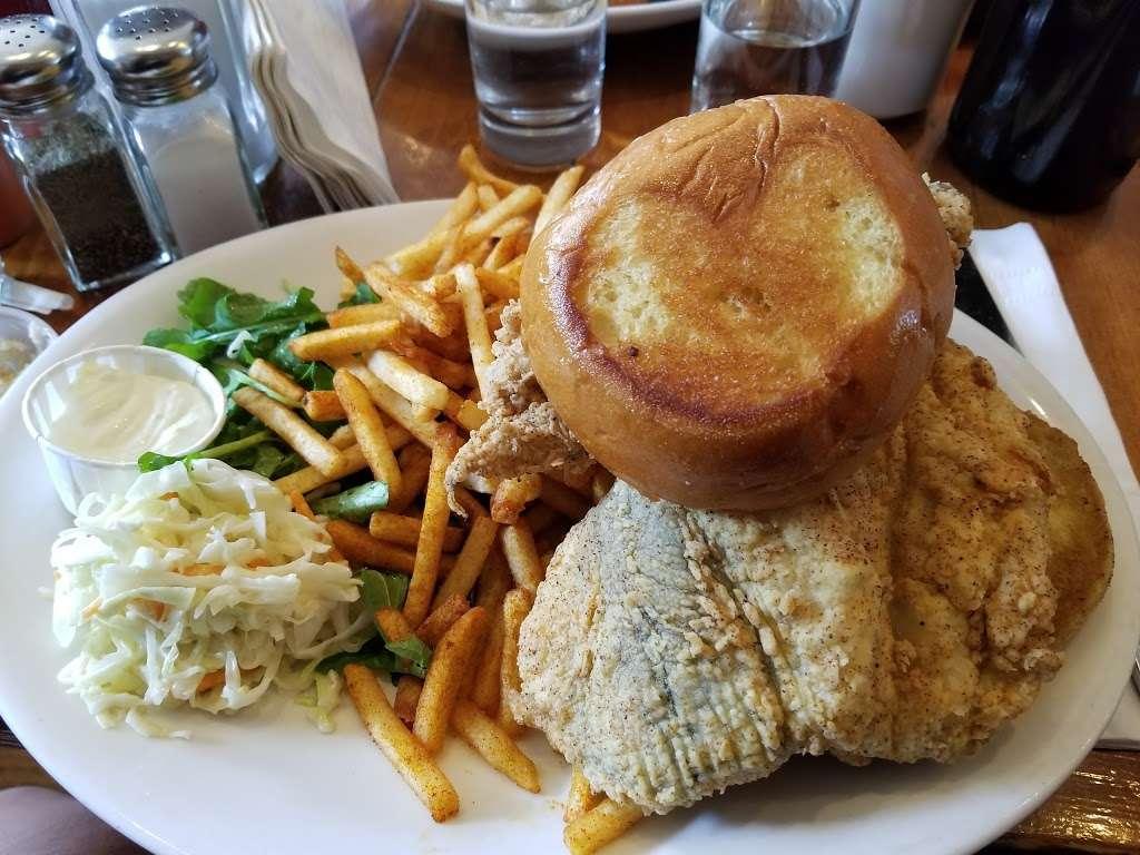 Peaches Shrimp & Crab - restaurant  | Photo 10 of 10 | Address: 285 Grand Ave, Brooklyn, NY 11238, USA | Phone: (718) 638-9500