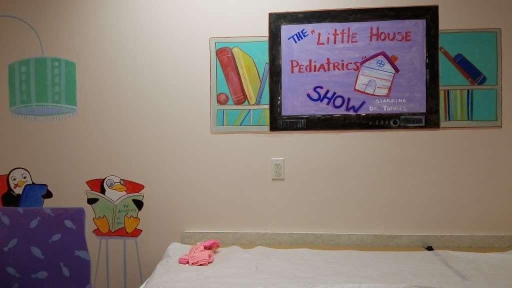 Little House Pediatrics LLC - hospital  | Photo 1 of 1 | Address: 8734 Lee Vista Blvd, Orlando, FL 32829, USA | Phone: (407) 910-2340