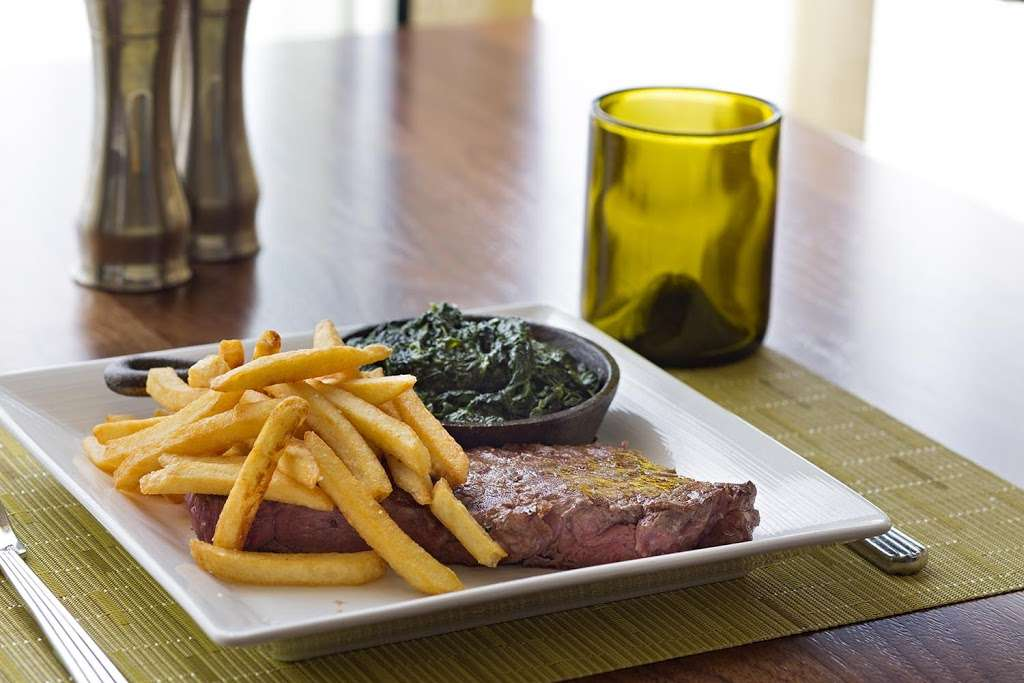 McCoys Bar & Grill - restaurant  | Photo 8 of 10 | Address: 9300 Jeff Fuqua Blvd, Orlando, FL 32827, USA | Phone: (407) 825-1234