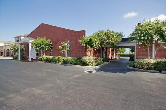 Garden Oaks Funeral Home - funeral home  | Photo 1 of 10 | Address: 13430 Bellaire Blvd, Houston, TX 77083, USA | Phone: (281) 530-5400