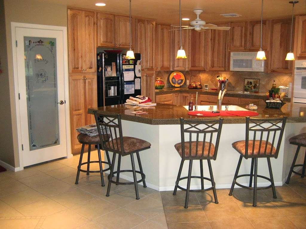 Creative Kitchens and Baths - home goods store    Photo 1 of 10   Address: 2142 Larchmont Cir, Fairfield, CA 94534, USA   Phone: (707) 688-8432