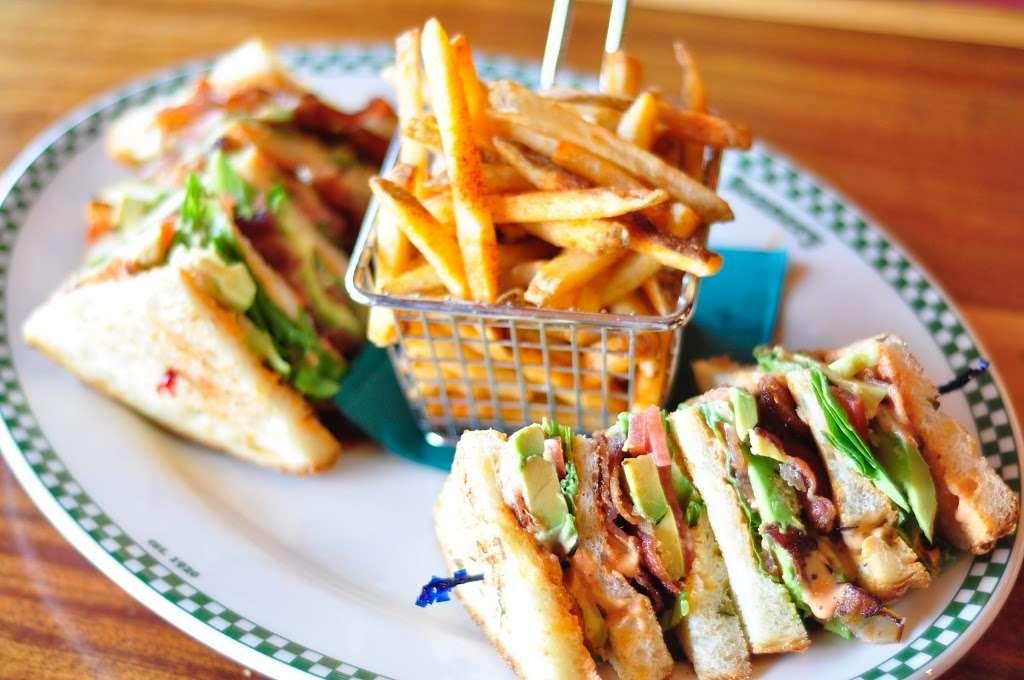 Barneys Beanery - restaurant  | Photo 2 of 10 | Address: 100 Fishermans Wharf H, Redondo Beach, CA 90277, USA | Phone: (424) 275-4820