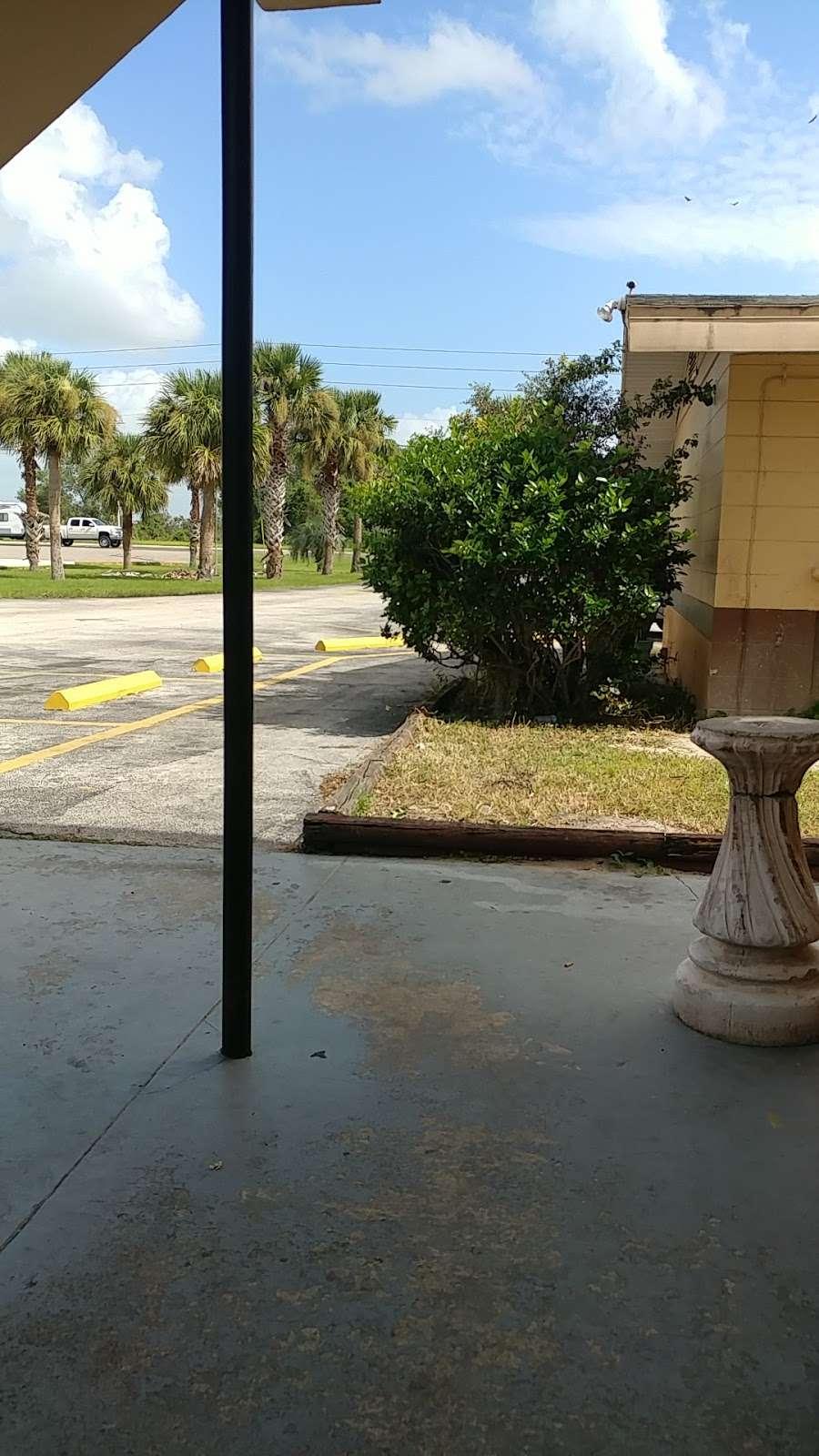 Monticello Motel LLC - lodging  | Photo 1 of 1 | Address: 28500 US-27, Dundee, FL 33838, USA | Phone: (863) 439-3276