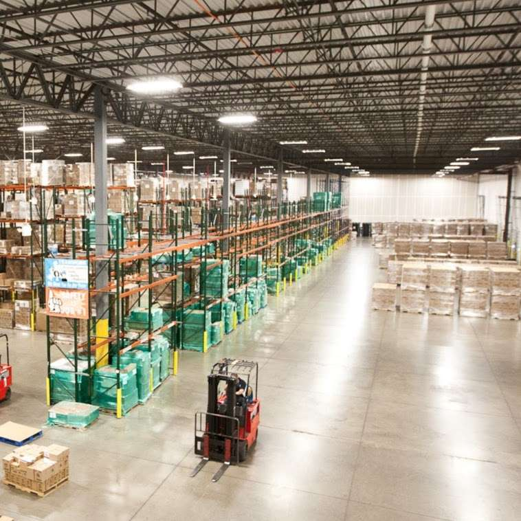 LeSaint Logistics - storage  | Photo 3 of 8 | Address: 868 W Crossroads Pkwy, Romeoville, IL 60446, USA | Phone: (630) 243-5950