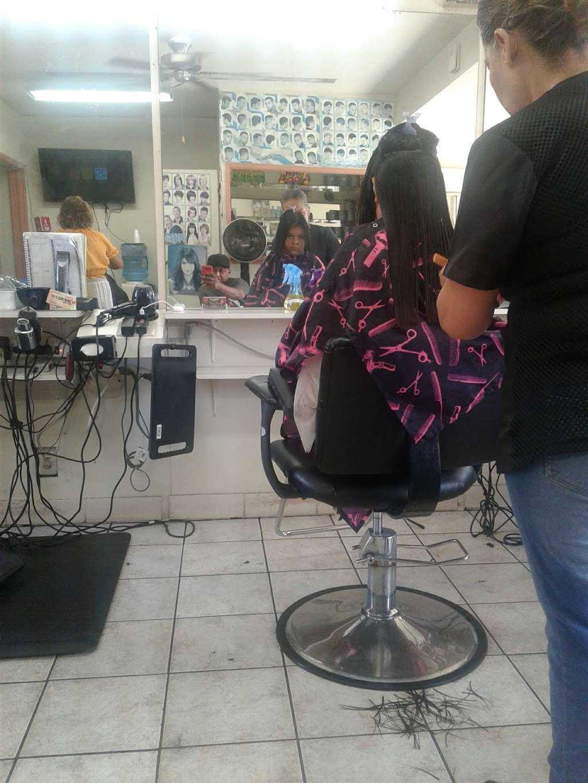 La Cachanilla - hair care  | Photo 1 of 4 | Address: 1331 W Carson St, Torrance, CA 90501, USA | Phone: (310) 533-8425