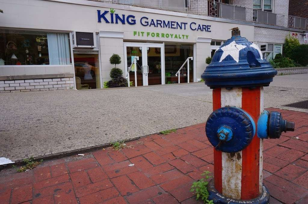 King Garment Care - laundry  | Photo 3 of 10 | Address: 220 6th Ave, New York, NY 10014, USA | Phone: (212) 989-3673