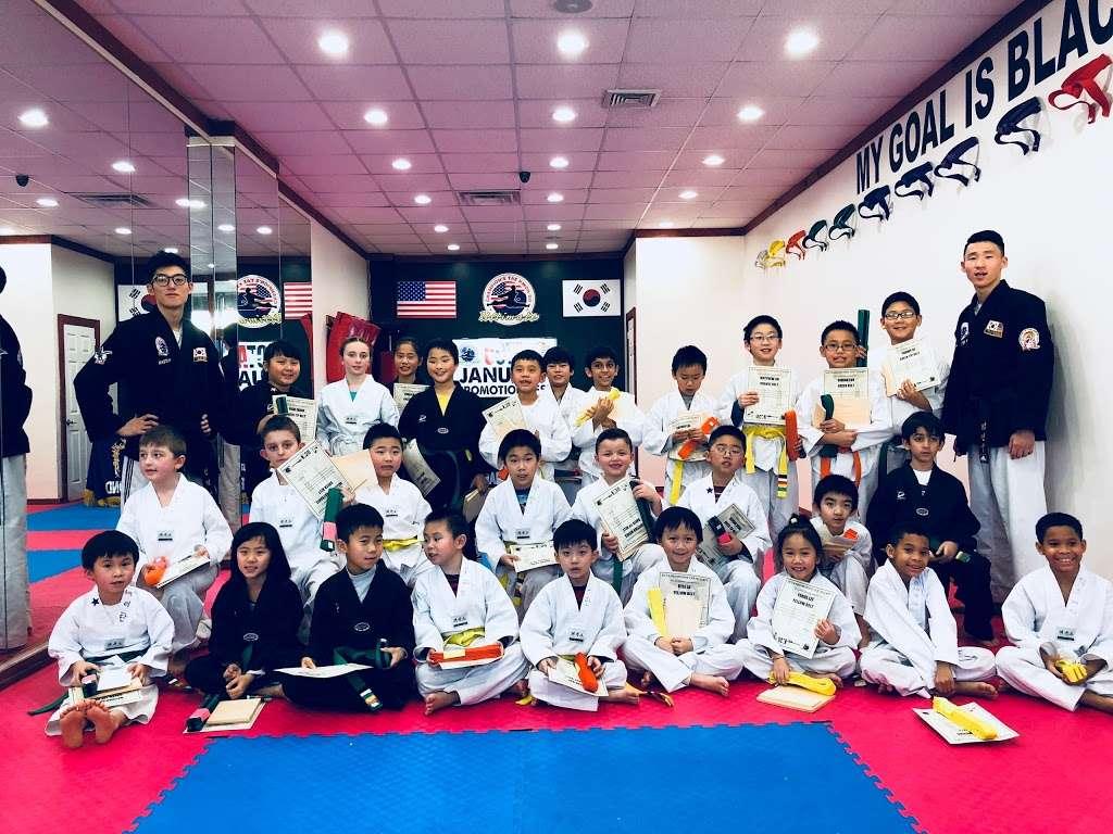 Ultimate Champions Taekwondo Little Neck - health  | Photo 3 of 7 | Address: 56-10 Marathon Pkwy, Little Neck, NY 11362, USA | Phone: (718) 423-5425