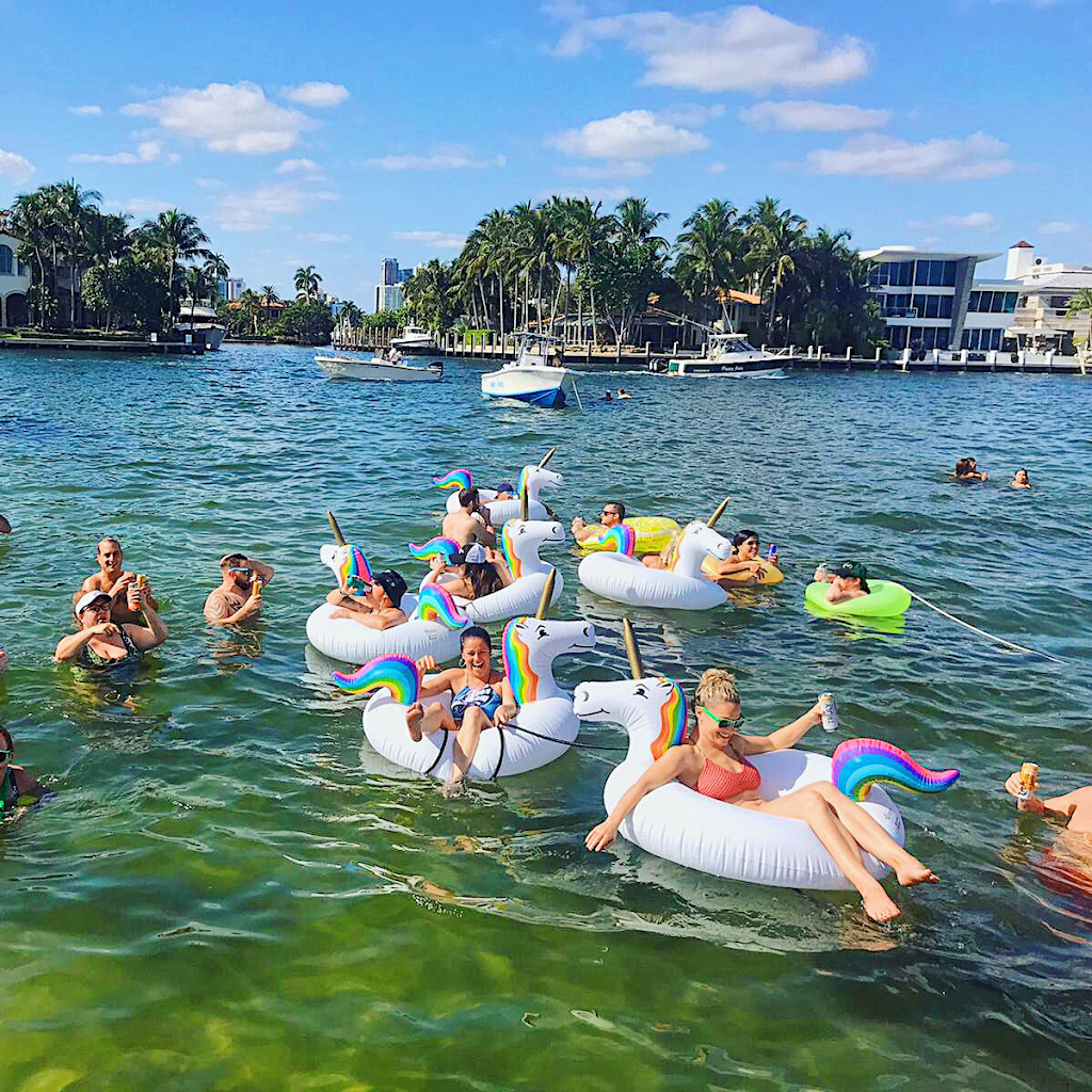 Staying Afloat Party Boat - travel agency  | Photo 4 of 10 | Address: 2305 N Willow Ave, Tampa, FL 33607, USA | Phone: (708) 986-1926